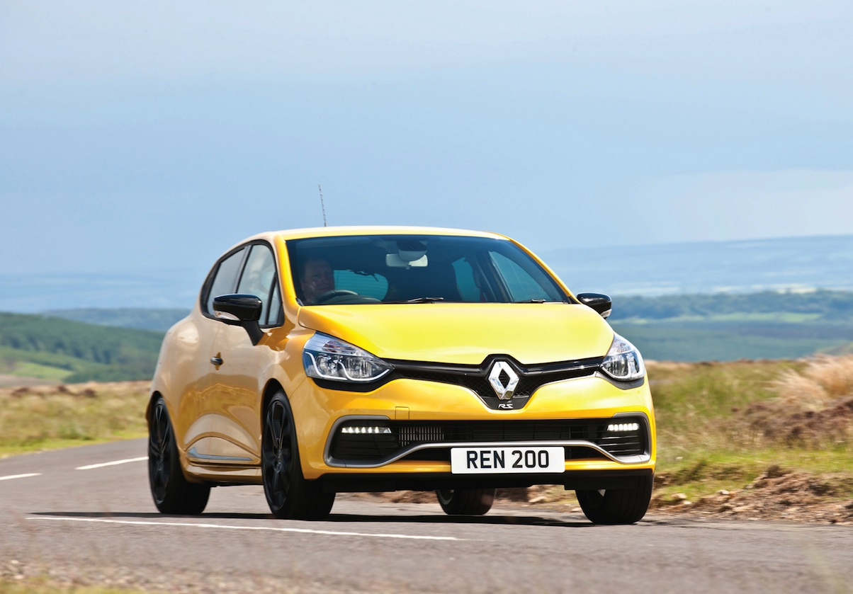 renault clio 200 turbo edc uk car of the year awards. Black Bedroom Furniture Sets. Home Design Ideas