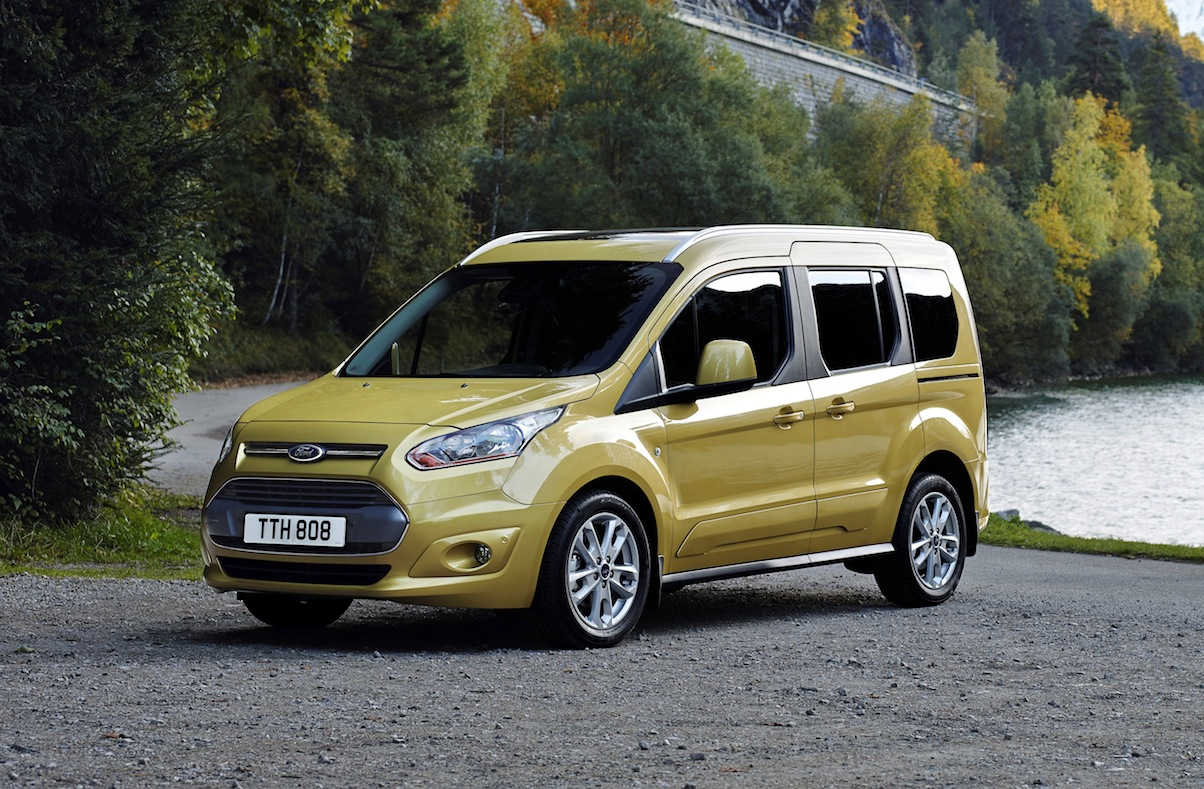 ford tourneo connect uk car of the year awards. Black Bedroom Furniture Sets. Home Design Ideas